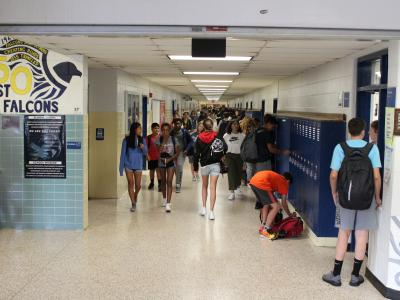 picture of students in hallways